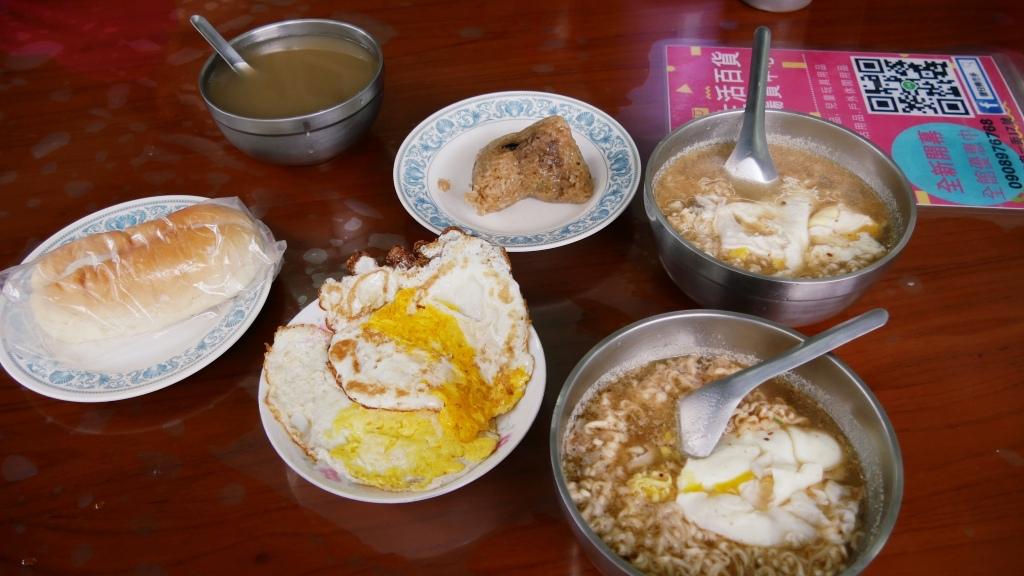 【花蓮市區-廟口紅茶】不再24小時營業,溝仔尾裡的古早味紅茶